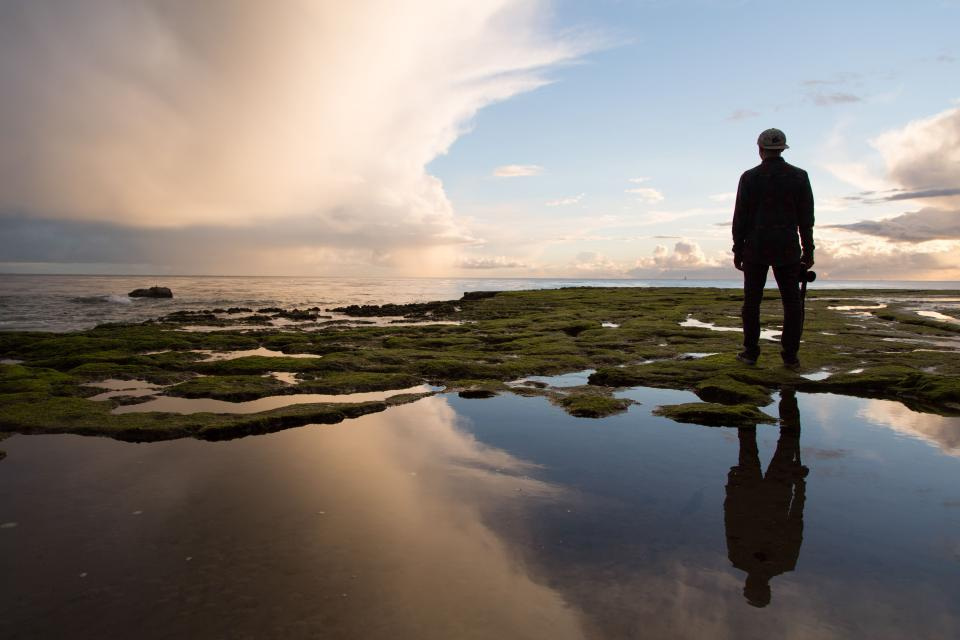 guy, man, silhouette, water, reflection, sky, clouds, looking, people, horizon, nature, landscape