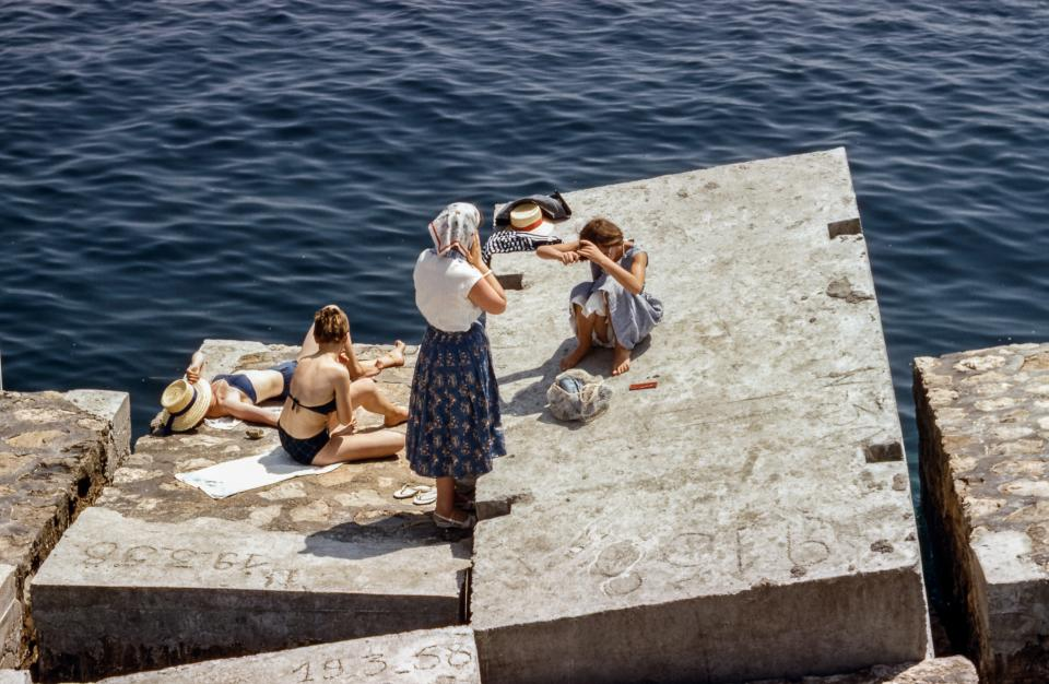 women, people, family, friends, group, swim, sunbathe, swimsuits, leisure, concrete, slabs, fashion, style, nature, water, ocean, sea