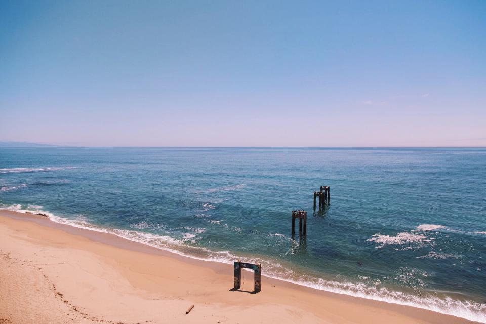 beach, sand, shore, ocean, sea, water, waves, blue, sky, horizon, summer, sunshine, sunny
