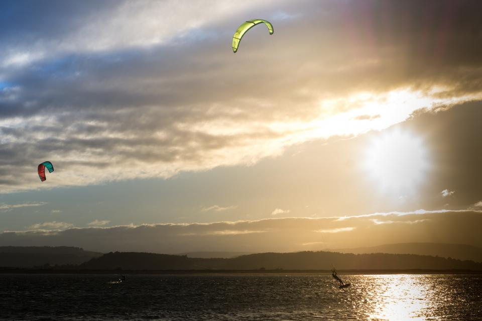 kite boarding, kite surfing, lake, water, sunset, sky, clouds, sports