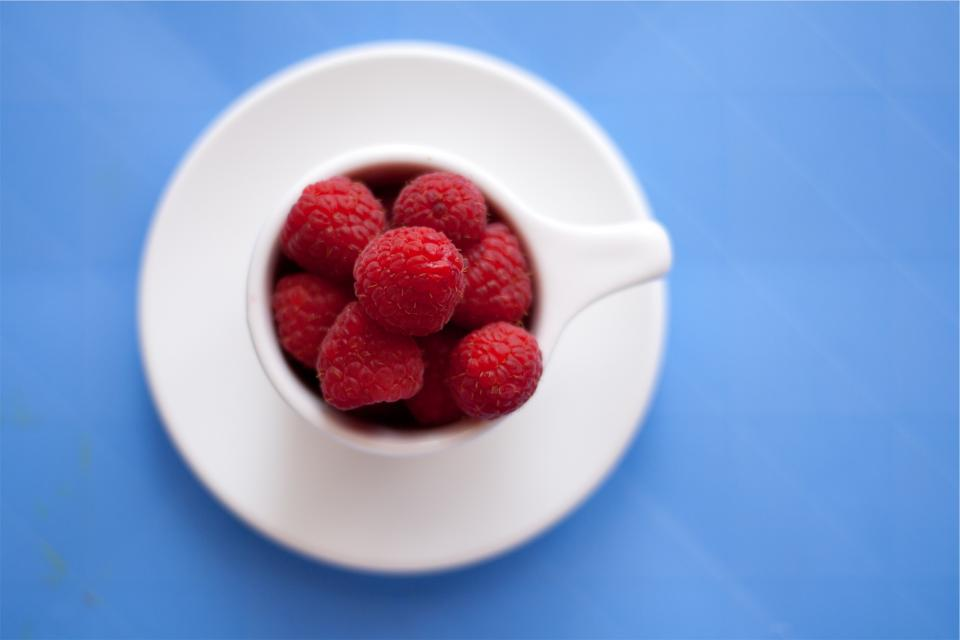 raspberry, raspberries, fruits, cup, plate