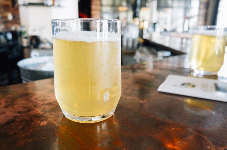 beer, bar, draft, brew, booze, alcohol, glass, drink, beverage