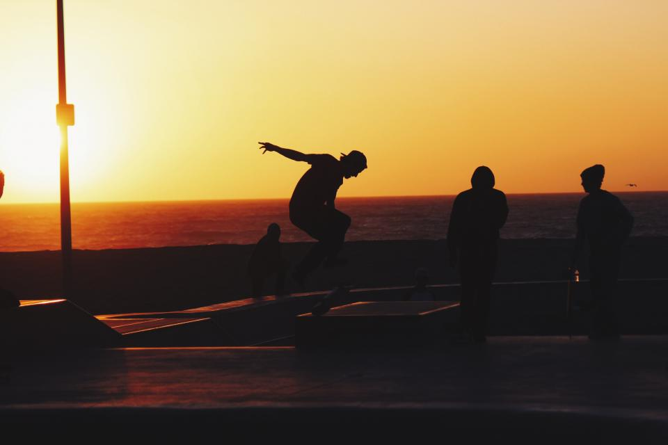 sunset, dusk, sky, summer, skateboarding, skateboard, skateboarders, people, silhouette, shadow, beach, ocean, sea, horizon