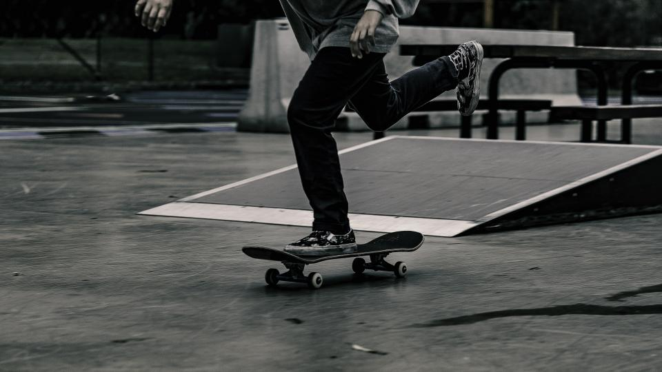 guy, man, male, people, skate, ride, thrasher, skateboard, hobby, sport, ramp, black and white