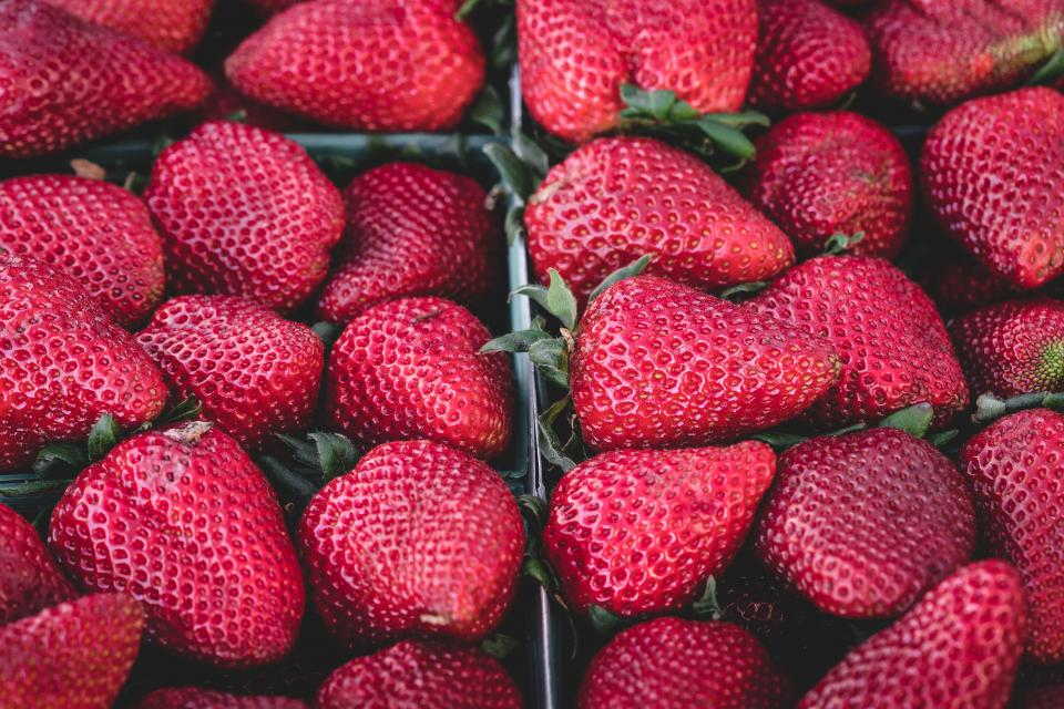 red, strawberries, strawberry, fruits, food, healthy, market