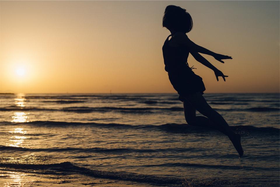 sunset, dusk, silhouette, jumping, flying, people, ocean, sea, horizon, waves
