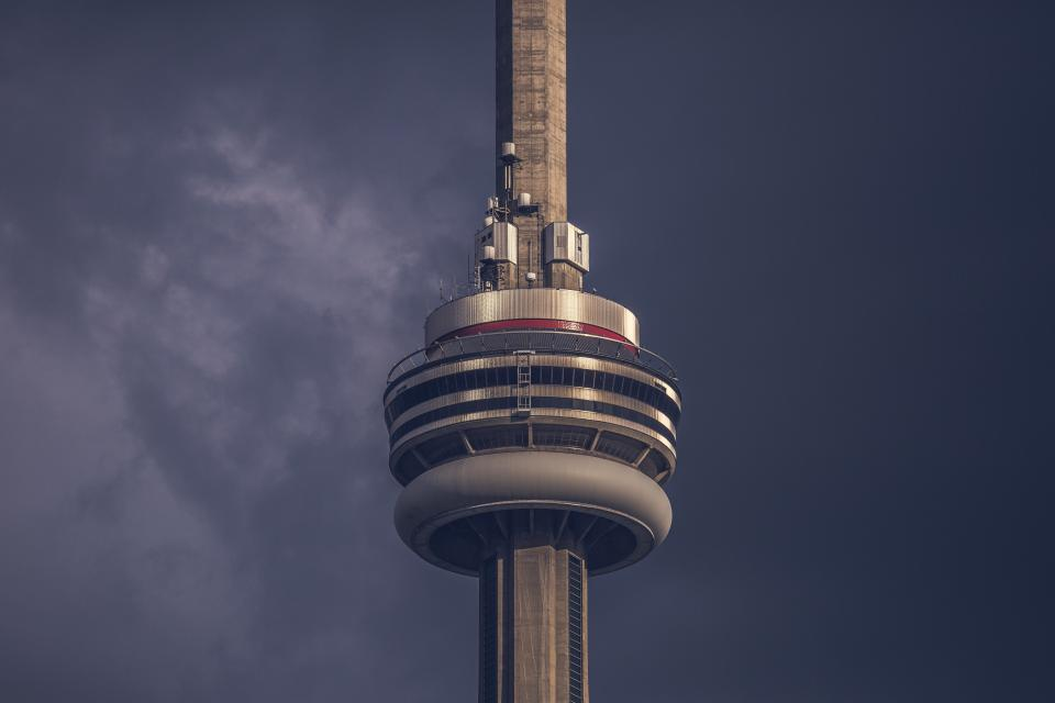 CN Tower, skyscraper, architecture, tower, sky, storm, dark, clouds, cloudy