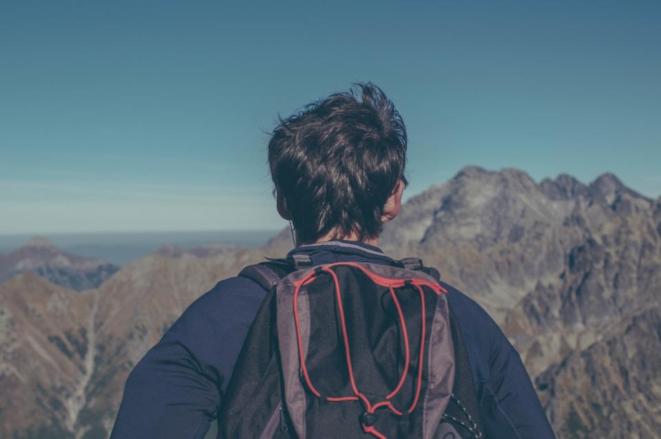 guy, man, backpack, knapsack, hiking, trekking, adventure, mountains, peaks, outdoors, nature, landscape, sky, people, fitness, excercise
