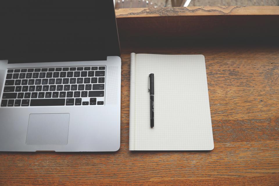 macbook, laptop, computer, technology, notepad, pen, desk, office, business
