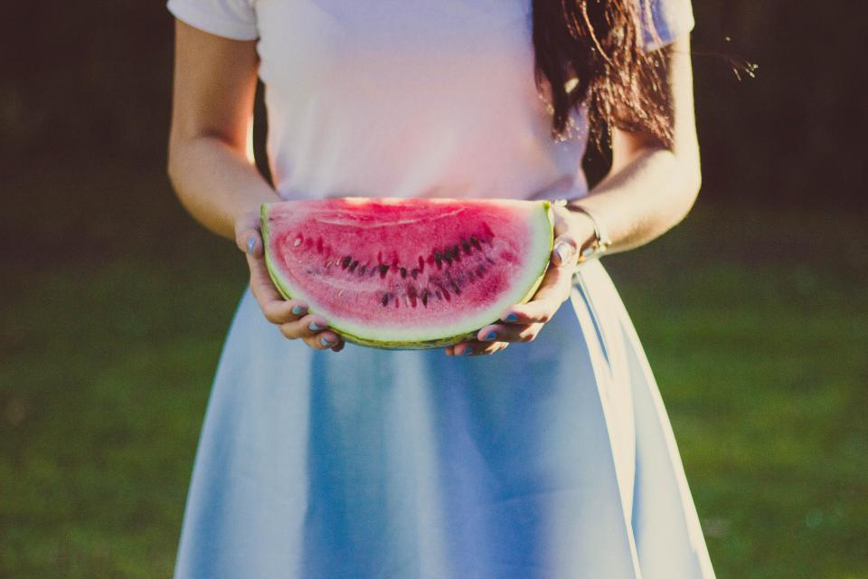 woman, girl, lady, people, body, bust, torso, limbs, hands, hold, watermelon, sliced, fashion, style