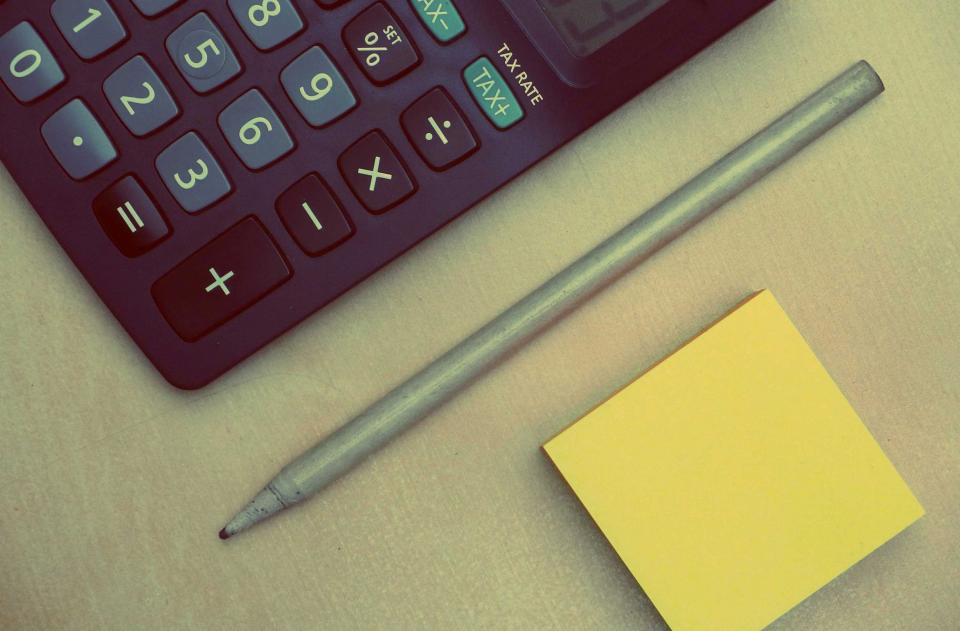 calculator, numbers, accounting, finance, pen, post-it notes, business, office, desk