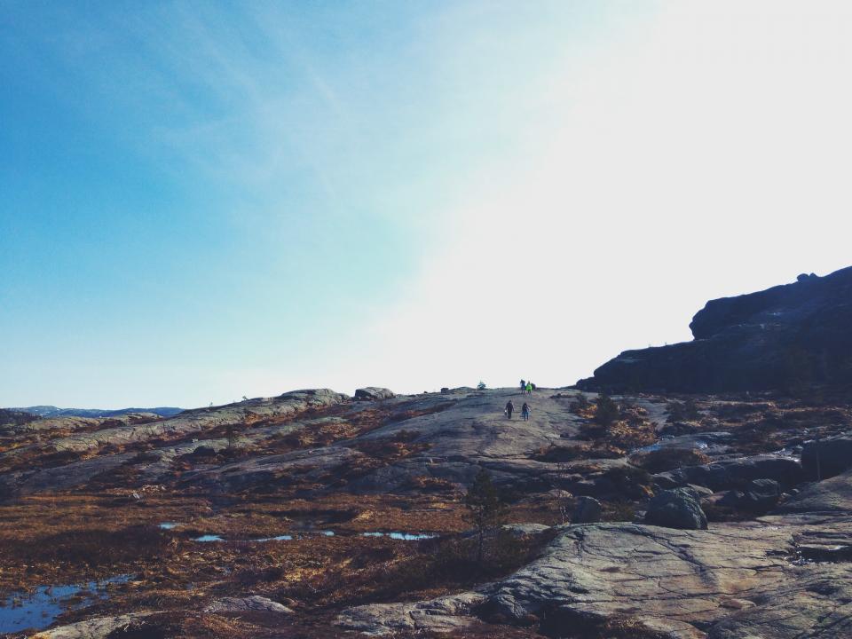 rocks, hiking, trekking, outdoors, nature, sky, sunny, sunshine