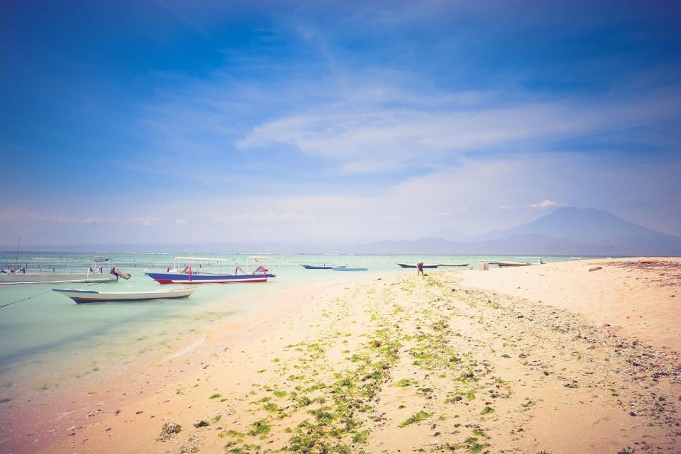 beach, sand, sunshine, blue, sky, ocean, sea, water, shore, boats, vacation, tropical, trip, paradise, landscape, nature, summer