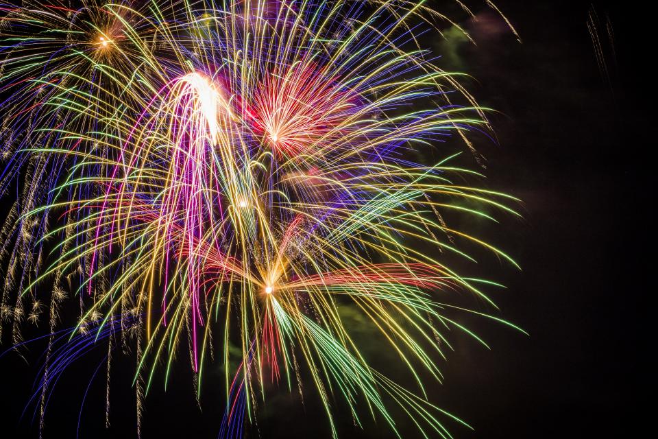 still, fireworks, light, show, colors, flames, lines, slow, shutter, exposure, photography