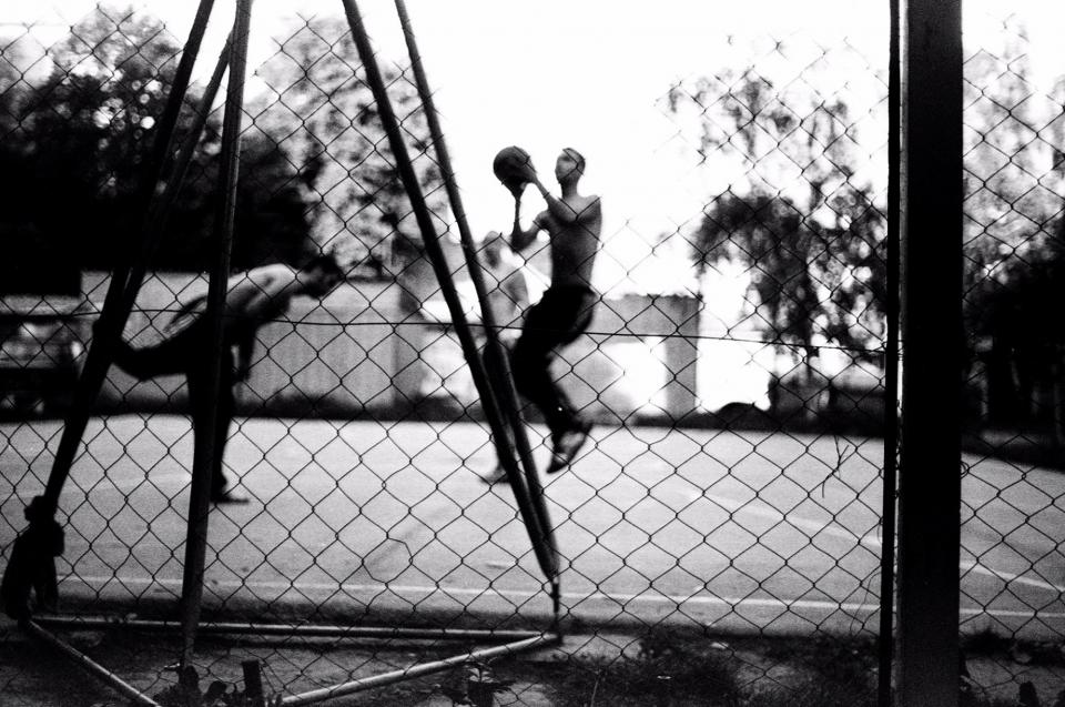 basketball, court, fence, people, athletes, sports, fitness, lifestyle, black and white
