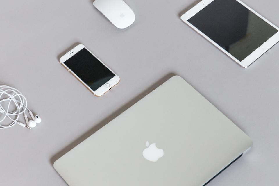 macbook, laptop, computer, iphone, mobile, smartphone, cell phone, tablet, ipad, technology, objects, mouse, headphones, earbuds, office, desk, business, work