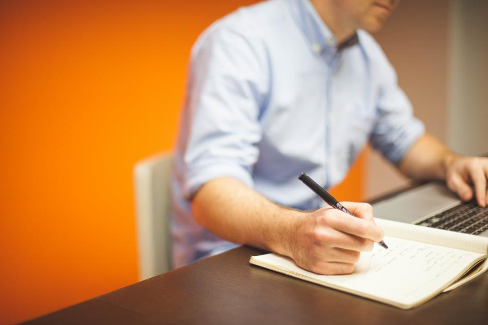 business, working, office, desk, laptop, macbook, computer, technology, writing, notebook, pen, blogging
