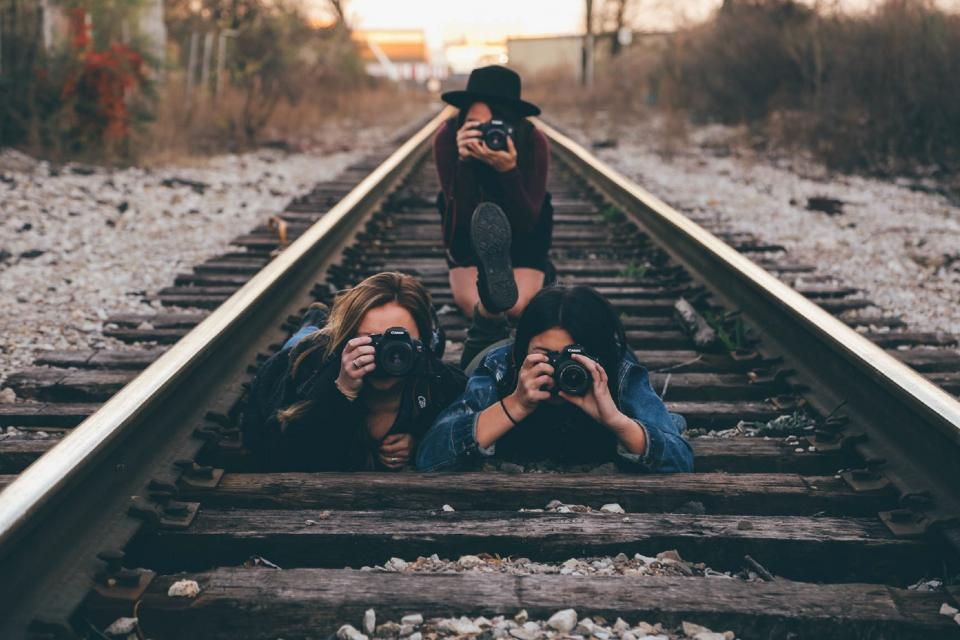 women, girls, ladies, people, friends, bonding, photography, cameras, dslr, fashion, style, railways, train, tracks, perspective, pattern, still, bokeh