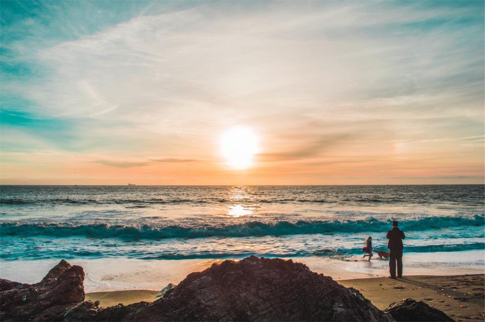 sunrise, beach, sand, shore, waves, water, ocean, sea, horizon, people