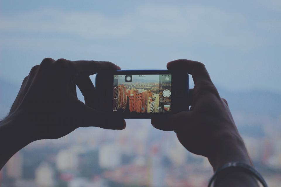 iphone, camera, picture, photography, photographer, technology, mobile, screen, hands