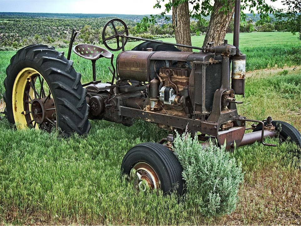tractor, farm, grass, country, rural, tires, old, vintage