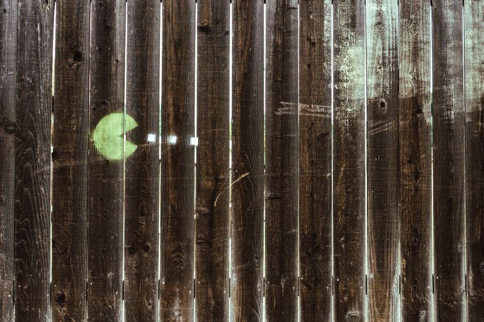 pacman, wood, fence