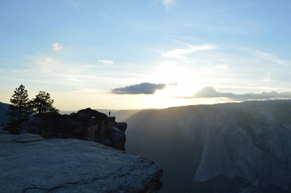 nature, landscape, mountains, cliff, rocks, trees, summit, peaks, clouds, sky, sun, rays, sunlight,