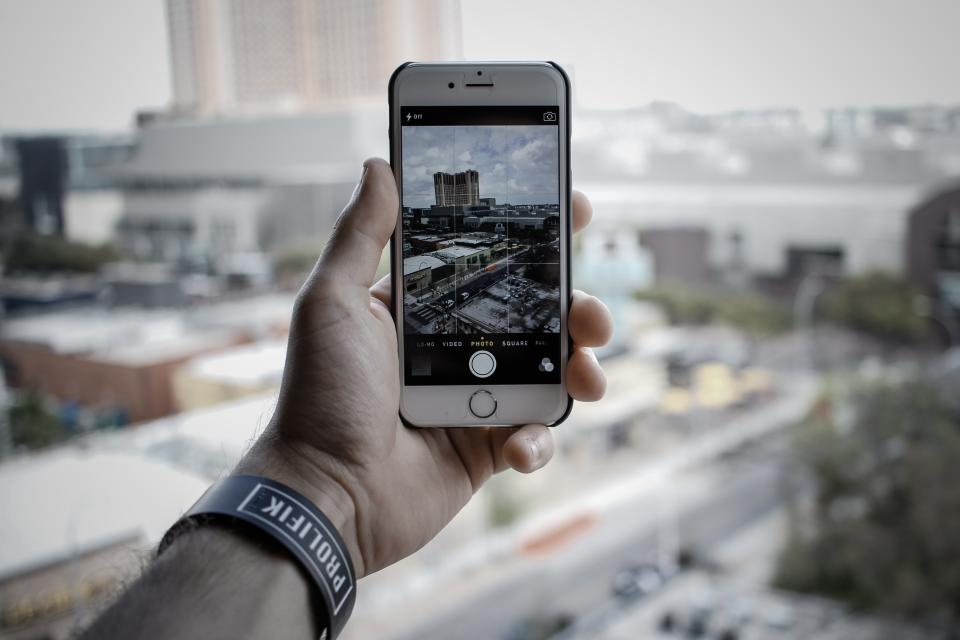 iphone, camera, picture, photography, technology, mobile, objects, city, hand