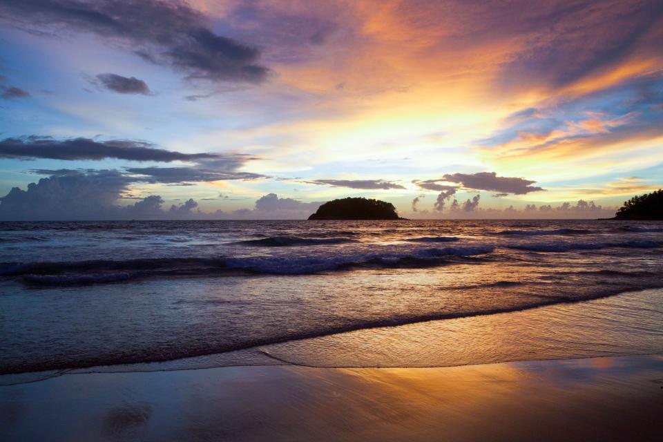 sunset, dusk, beach, sand, shore, ocean, sea, waves, horizon, clouds