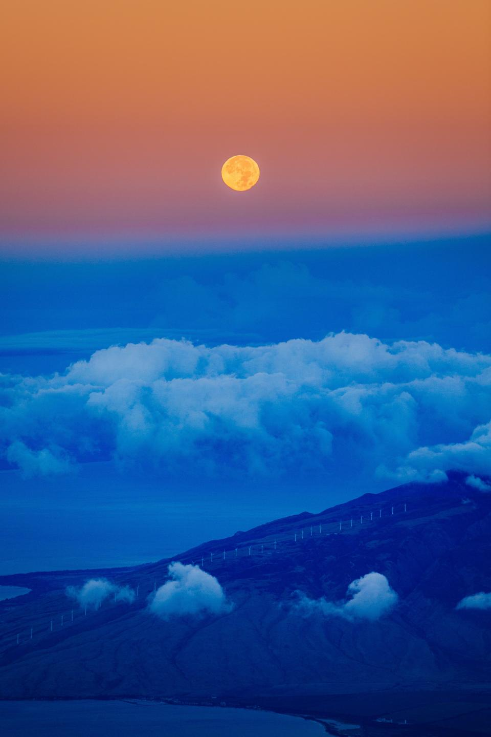 nature, landscape, mountains, summit, peaks, slope, fences, path, roads, coast, shore, water, sea, ocean, sky, horizon, clouds, gradient, moon, blue, orange