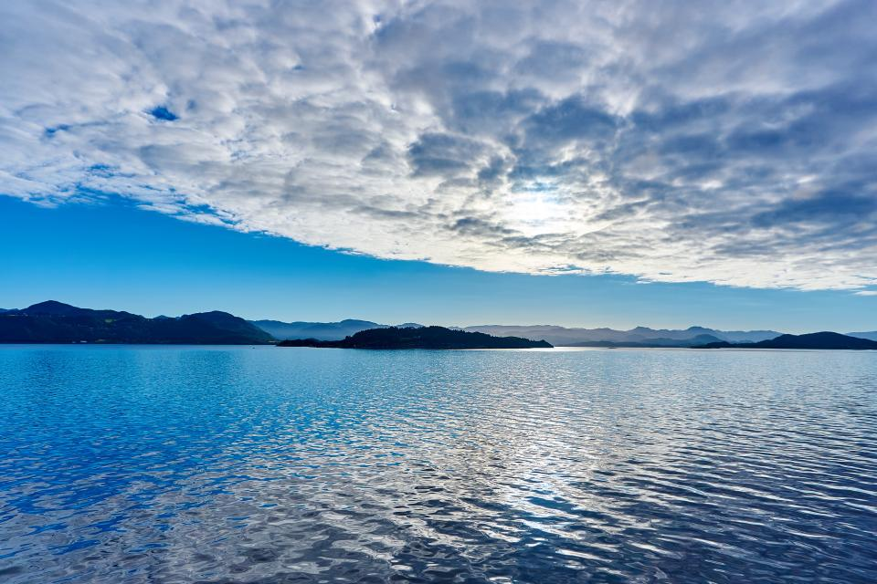 lake, water, sunshine, blue, sky, clouds, landscape, nature, mountains