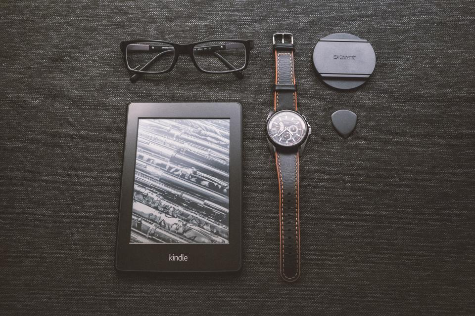 kindle, e-reader, technology, objects, watch, eyeglasses, accessories, fashion