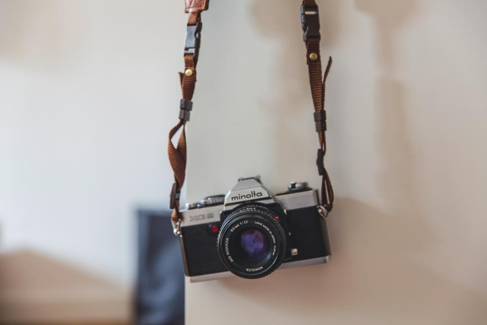 camera, lens, shoot, picture, photo, image, minolta, shutter, wall