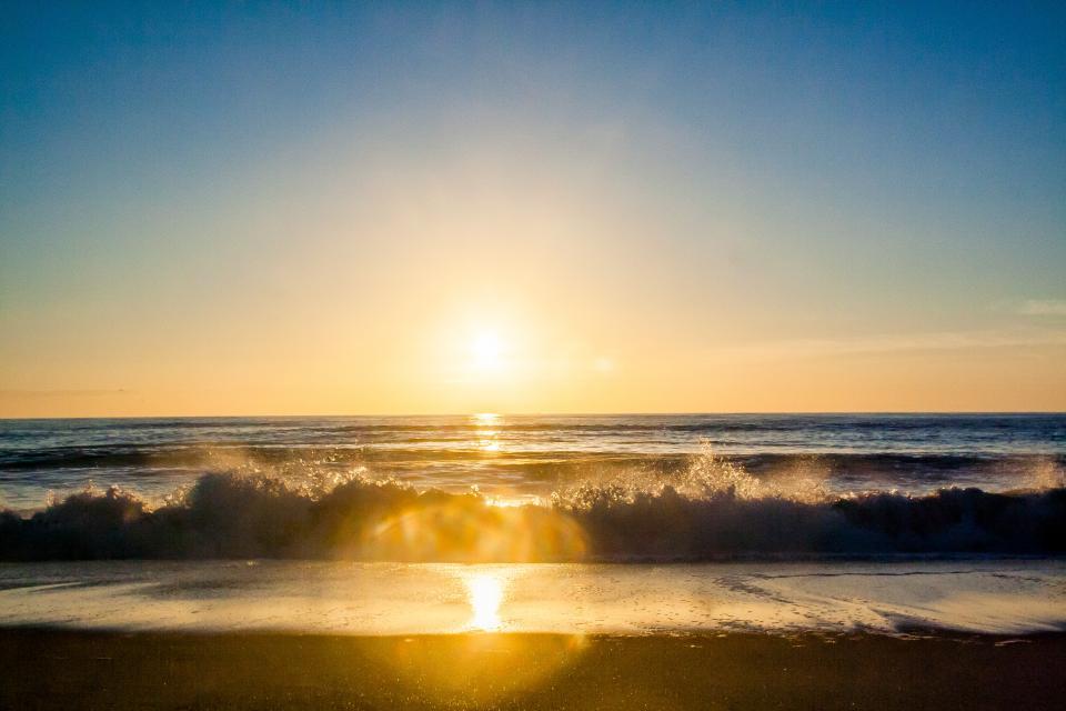 sunset, sun rays, beach, sand, ocean, sea, shore, waves, horizon, summer, sky