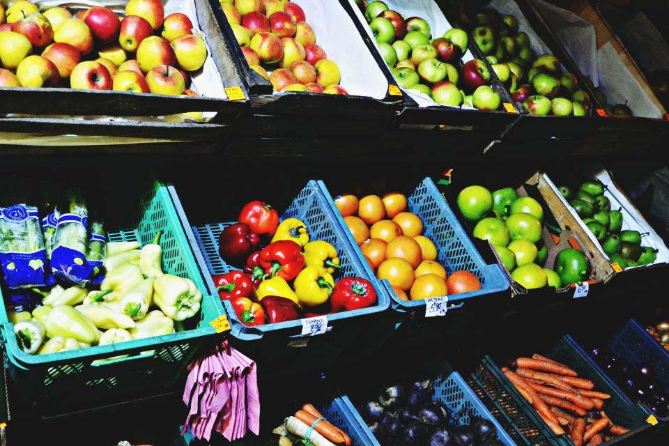 market, fruits, vegetables, food, peppers, apples, carrots, healthy, baskets, groceries