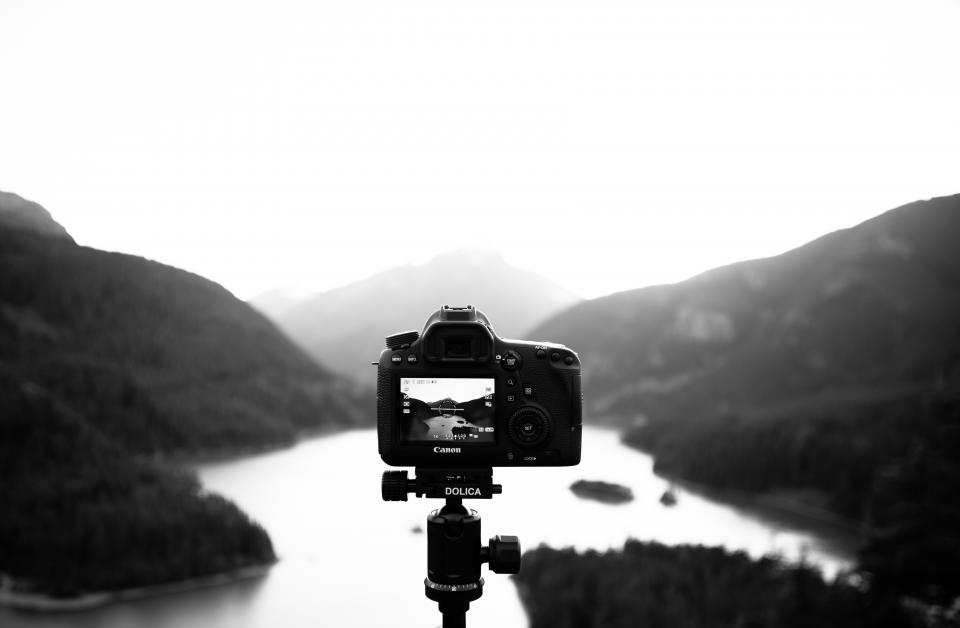camera, screen, photography, dslr, mountains, valleys, river, water, nature, landscape, black and white