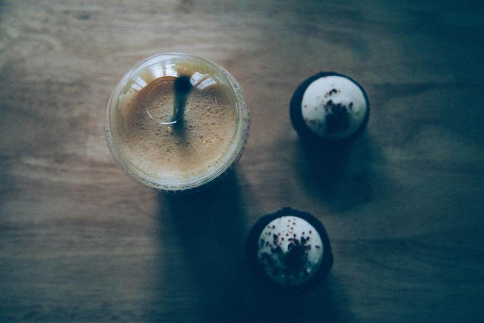 drink, straw, cupcakes, dessert, treats, food