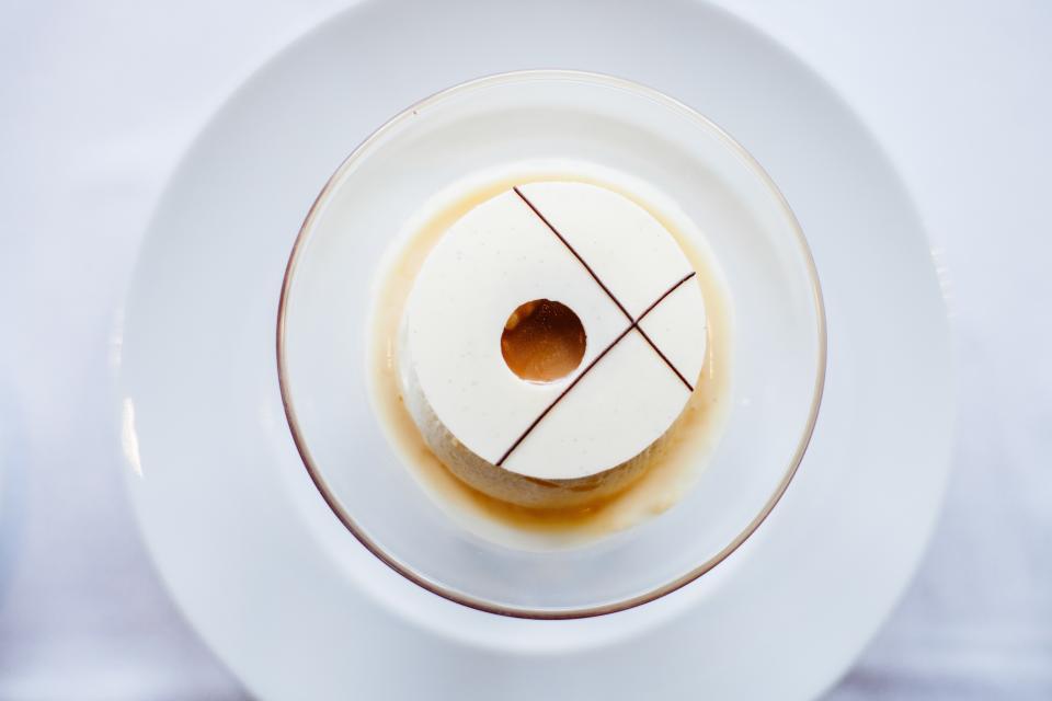 dessert, food, bowl, white, plate