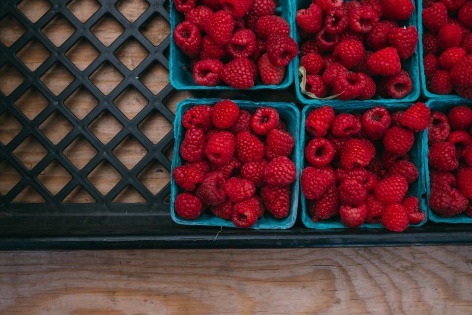 raspberries, berries, fruits, food, healthy, baskets, market