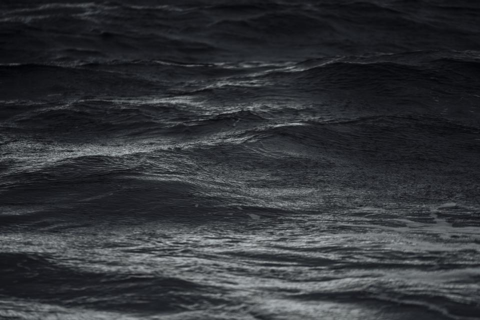 ocean, sea, water, waves, black and white
