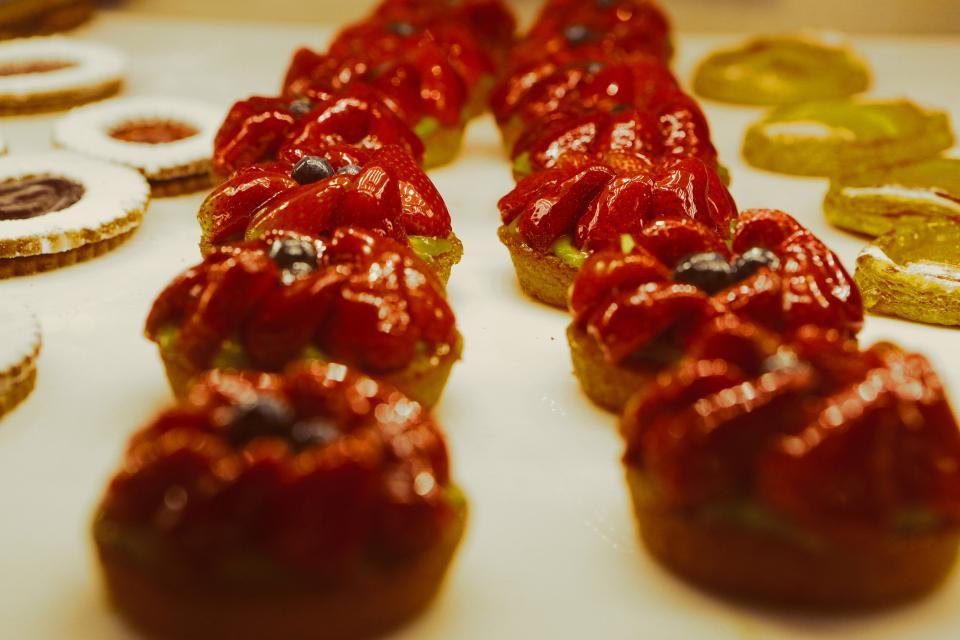 strawberries, tarts, fruits, dessert, sweets, treats, baking, food